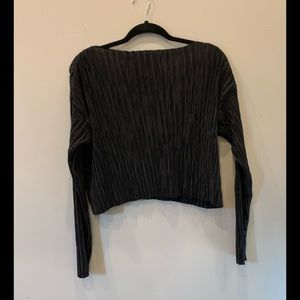 H&M cropped black textures top size 6
